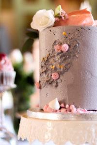 Svatební dort s reliéfem