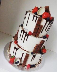 Svatební dort čokoláda a ovoce